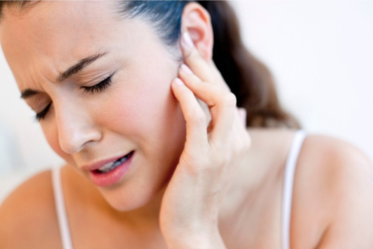 use ear drops to dissolve remove earwax