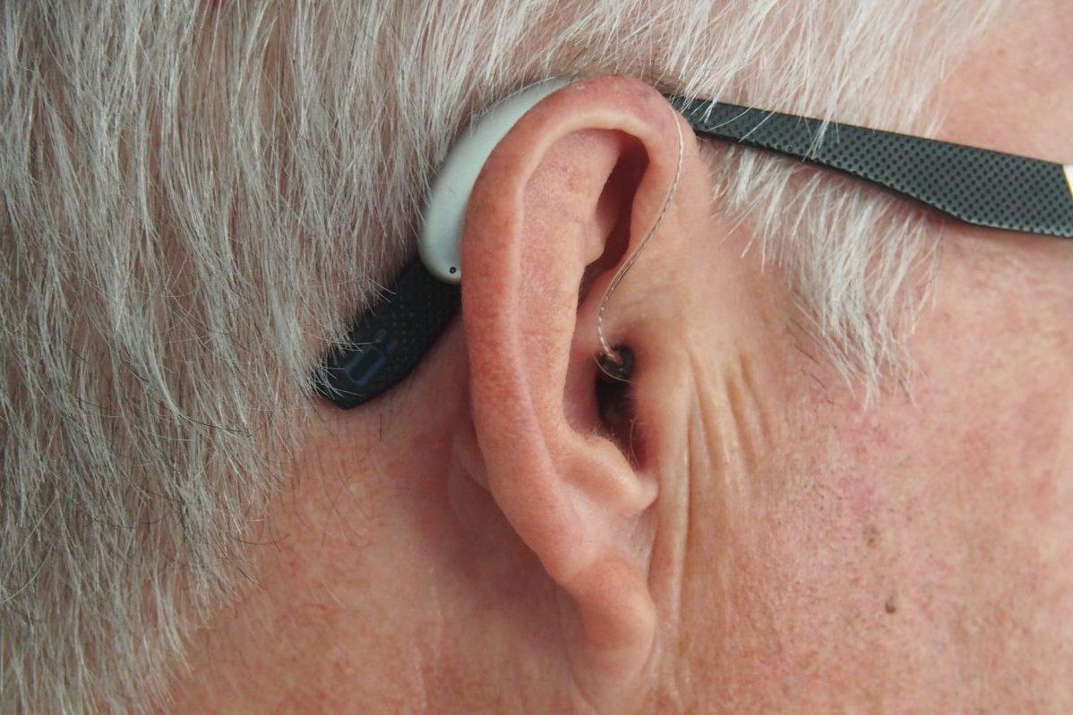 How Do Light-Based Hearing Aids Work?